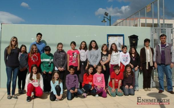 Οι μαθητές του 6ου Δημοτικού καθάρισαν την πλατεία Αη-Γιάννη