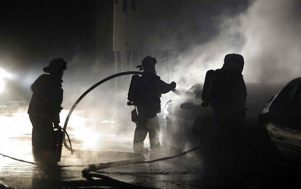 Τρεις τραυματίες από φωτιά στο Περιγιάλι Κορινθίας