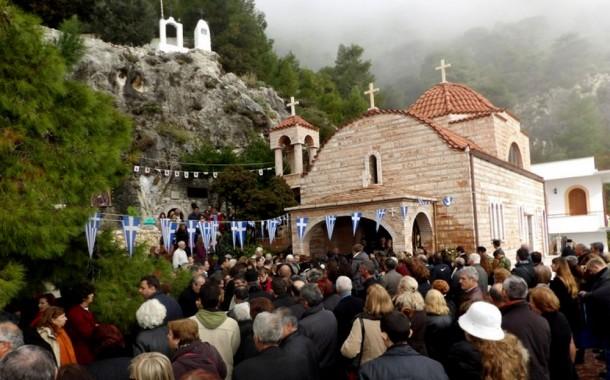 Ενθρόνιση νέας Ηγουμένης στην Ι.Μονή Οσίου Παταπίου