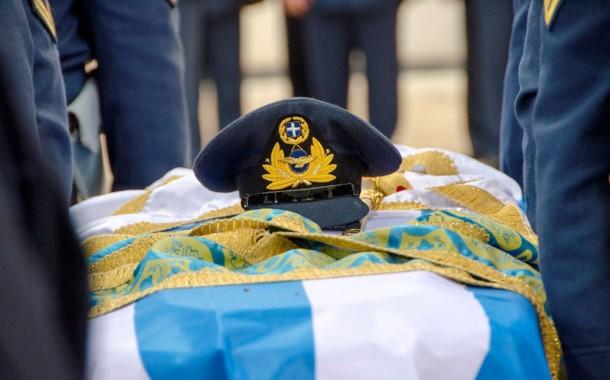 Στην Ελευσίνα οι σοροί των αξιωματικών που έχασαν τη ζωή τους