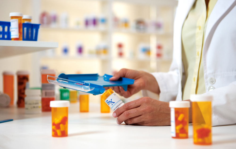 Τα μέλη του ΚΑΠΗ στηρίζουν το Κοινωνικό Φαρμακείο