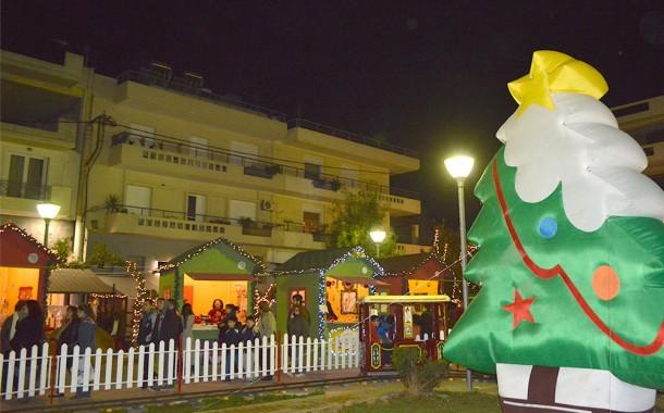 Χριστουγεννιάτικο Χωριό στην πλ. Λιτάρα