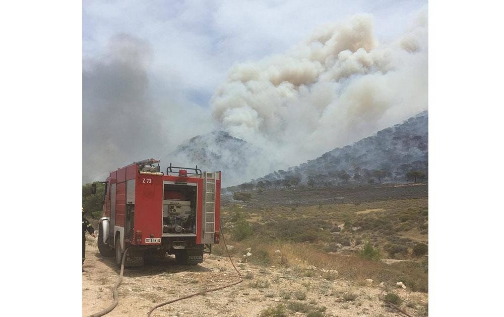 Πυρκαγιά στα Δερβενοχώρια: Σώοι οι πιλότοι