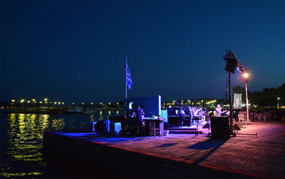 Βραδιά Πανσελήνου στην Νέα Πέραμο με την Ορχήστρα της Στρατιωτικής Μουσικής της ΑΣΔΥΣ
