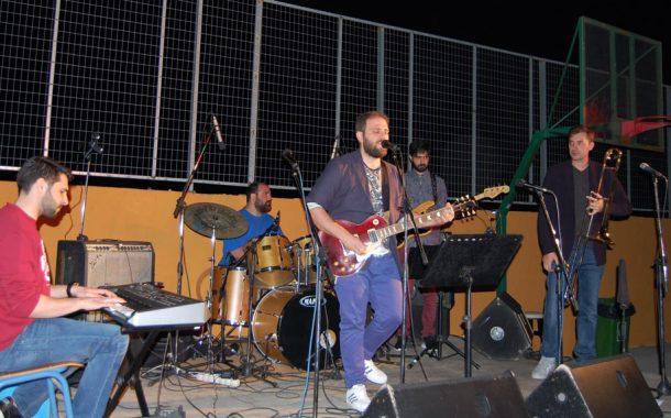 Συναυλία με τον Άκη Κακαγή και τη μπάντα του στο 3ο Γυμνάσιο