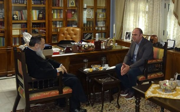 Εθιμοτυπική επίσκεψη του Λ. Κοσμόπουλου στον Μητροπολίτη Κορίνθου Διονύσιο