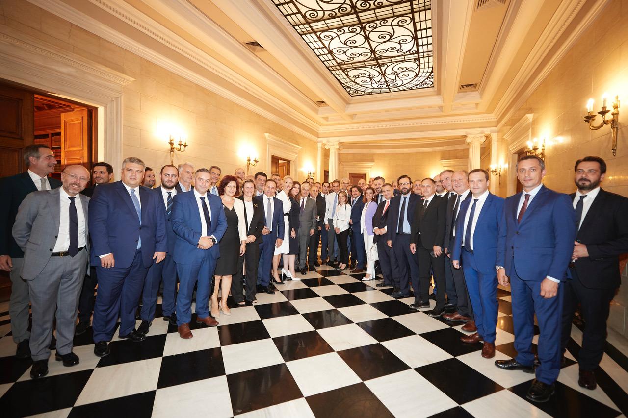 Οι πρωτοεκλεγέντες βουλευτές στο Μέγαρο Μαξίμου