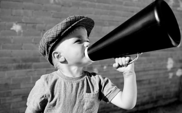 «Δημόσιος Διάλογος», ανώνυμα προφίλ και ωτοασπίδες