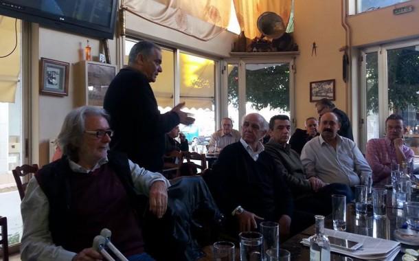 Σε καφενείο των Μεγάρων ο εκπρόσωπος Τύπου ΣΥΡΙΖΑ Παν. Σκουρλέτης