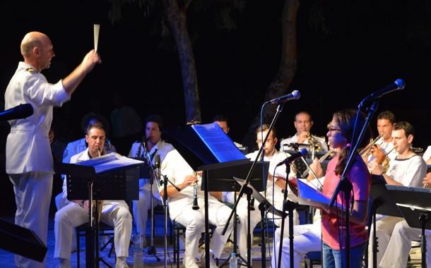 Εκδήλωση με τη μπάντα του Πολεμικού Ναυτικού και τις Χορωδίες Δήμου Μεγαρέων
