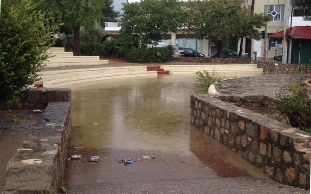 Ζημιές σε δρόμους και κοινόχρηστους χώρους στα Μέγαρα
