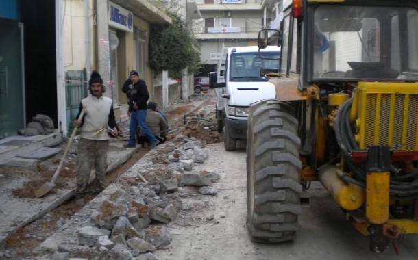 Σε πλήρη εξέλιξη τα έργα διαμόρφωσης της οδού ΚΟΛΟΚΟΤΡΩΝΗκαι της Πλατείας Σκουλούδη