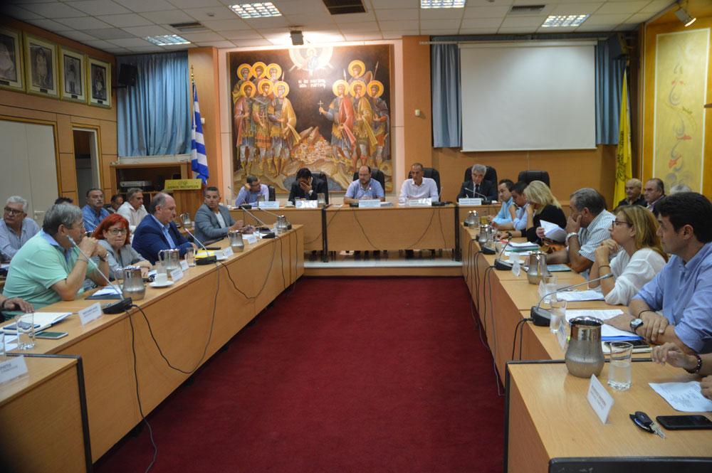 Δημοτικό Συμβούλιο Μεγάρων: «Ασυνέπεια λόγων και έργων»