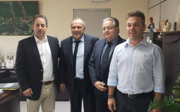 Εθιμοτυπική συνάντηση Προέδρου Οργανισμού Λιμένος Ελευσίνος Γιώργου Κουμπέτσου-Δημάρχου Ελευσίνας Αργύρη Οικονόμου