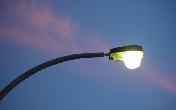 «Φωτογραφική διακήρυξη» για σύμβουλο για τα led καταγγέλλει η αντιπολίτευση