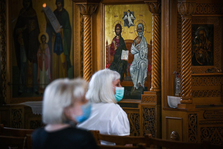 Aνήμερα των Χριστουγέννων και των Φώτων θα ανοίξουν οι εκκλησίες
